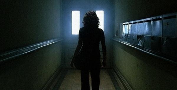 Hinter der Tür (das leise Mädchen)